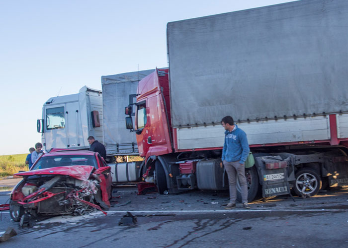 Determining liability in an auto vs. Truck accident